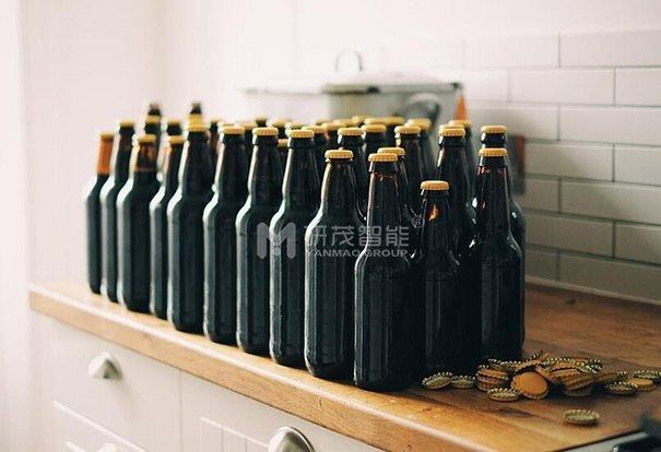 瓶子卸垛机提供专用功能,可对反向锥形容器进行高速卸垛