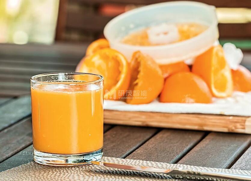 橙汁饮料码垛机的机器特点